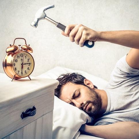 چگونه صبح ها راحت تر از خواب بیدار شویم؟ (اینفوگرافیک)