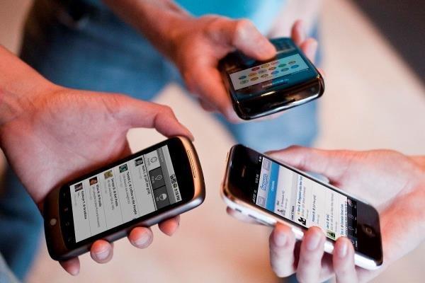 نفوذ 92.09 درصدی تلفن همراه در ایرانیان / سهم هر اپراتور مشخص شد